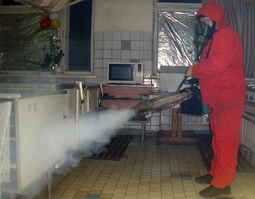 Обработка помещения генератором горячего тумана