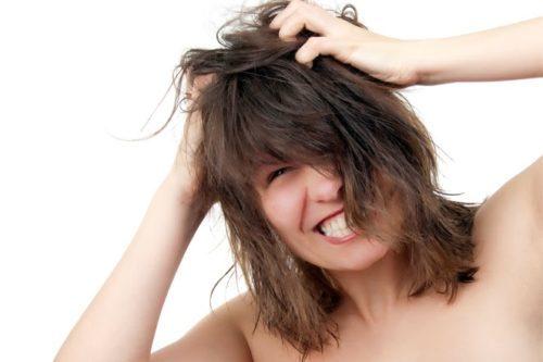 При стрессе человек может испытывать зуд головы, тела в результате чего подозревает у себя наличие заболевания