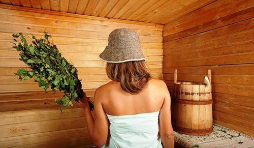 Справится с последствиями укусов комаров поможет баня с березовыми вениками